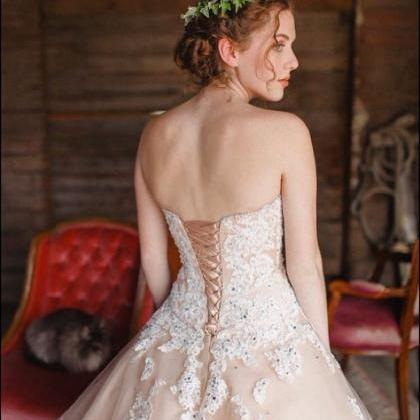 Appliques Sweetheart Ball Gown Tull..