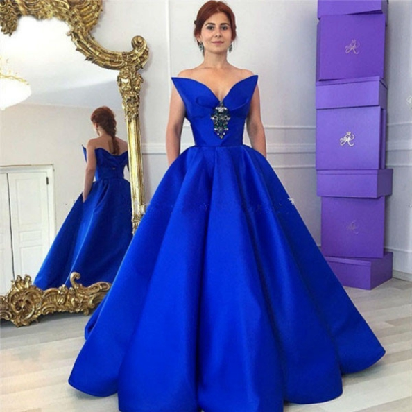 Blue Elegant Crystal Floor-Length Ball Gown Satin Prom Dresses 2017
