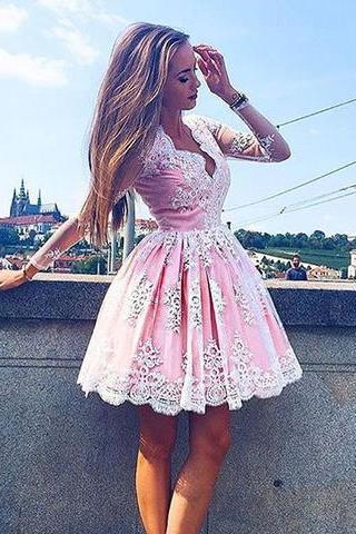 No Pink Homecoming Dresses Open Back Long Sleeves Flowers V Neck Mini Homecoming Dress