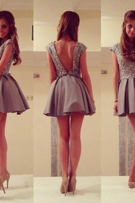 A-Line/Column Grey Homecoming Dresses Hollow Sleeveless Beaded Jewels Above Knee Homecoming Dress