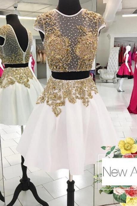 A-Line/Column White Homecoming Dresses Open Back Cap Sleeve Beaded Jewels Short Homecoming Dress