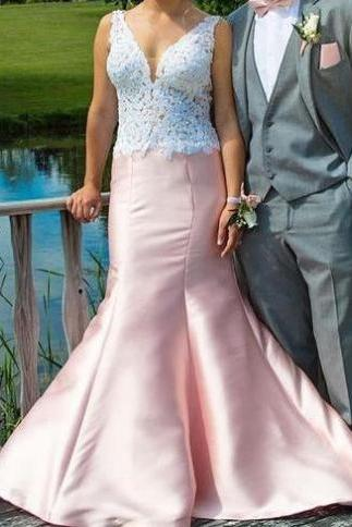 Lace V-Neck Mermaid Satin Prom Dresses 2017