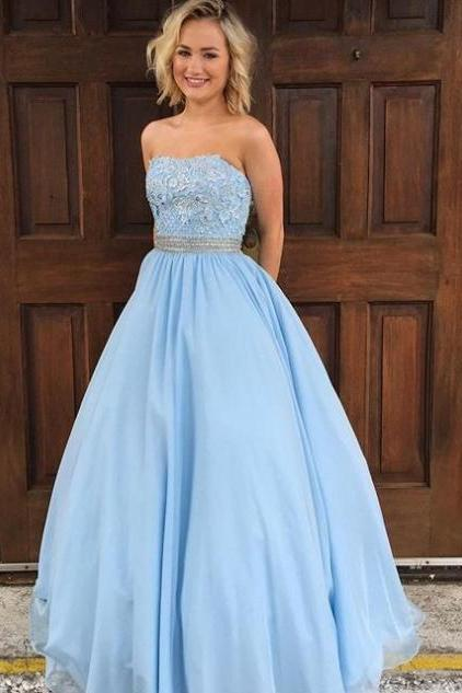 Blue Appliques Strapless Ball Gown Tulle Prom Dresses 2017