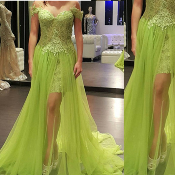Lace Off-the-Shoulder A-line Tulle Prom Dresses 2017
